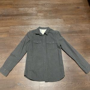 Mens H&M casual buttons down shirt